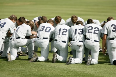 baseball-team-1529412_1920